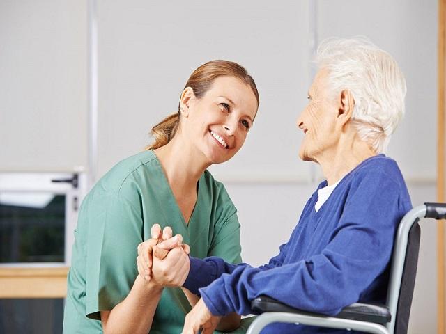 Há 10 anos capacitando cuidadores em MG